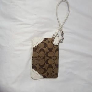 COACH mini wristlet signature with white leather